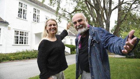 SOMMER MED TAUBE: Kristin Gjeldsnes og Wilhelm Liljeroos inviter til Taube-kveld, en cabaretforestilling som har fått det velklingende navnet Här är den sköna sommar. Dette skjer på Haugestad kommende lørdag.FOTO: PÅL A. NÆSS