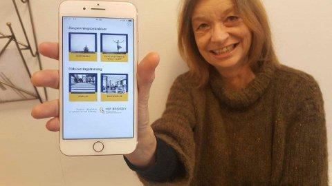 APP: Audiopedagog Bente Ørbeck ved HLF Briskeby viser fram appen de har utviklet.