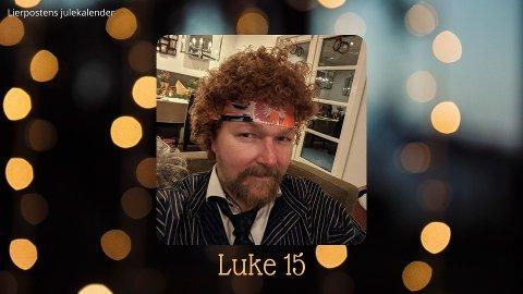 Luke 15: Jostein Spangen Hoset. Her viser han fram en parykk han fikk av sin søster til jul fjor.