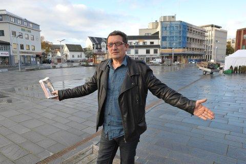 Daglig leder Svein-Erik Finholt sier han vil søke dispensasjon for å få selge nattmat fra Svolvær torg i helgene.