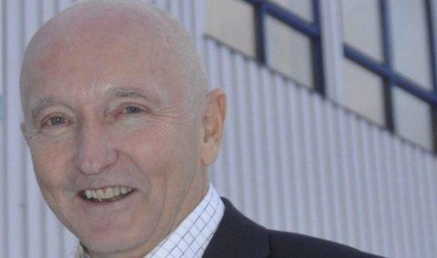 Lettet: Rektor ved Vest-Lofoten videregående skole, Søren Fredrik Voie, er glad og lettet over at penger