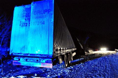 E10 sperret for større kjøretøy på grunn av ulykken