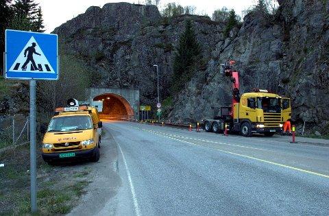 50 km/t: Det blir fortsatt 50 km/t gjennom Nonshaugtunnelen i Svolvær. Kommunen hadde anmodet Veivesenet om å sette farten ned til 40 km/t.