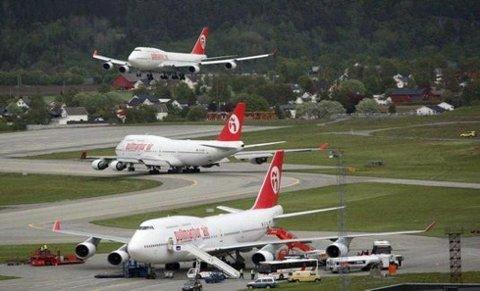 Jumbojet: Flere tusen cruisepassasjerer skulle til sommeren bruke Boeing 747 til og fra Bodø. Nå får ikke denne flytypen lande i Bodø.