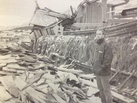 Store ødeleggelser: Daglig leder Stig Sandøy på Borg inspiserte ødeleggelsene på vikingemuseet etter «Frode»Foto: Arkiv