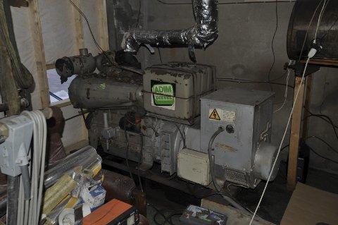 Strøm: Strømaggregatet til Joker i Henningsvær ble montert i fjor sommer, heldigvis for alle mobilhungrige under orkanhelgen.