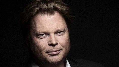 Kommer: Jørn Lier Horst har skrevet bøker for både voksne, barn og unge. I mars kommer han til Lofoten for å møte skoleelever i Vågan.Foto: Jesper Magerøy