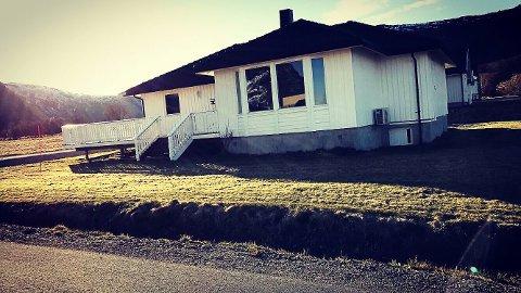 Solgt: Jan-Sverre Dahl solgte huset i Stamsund i løpet av tre dager via Facebook.