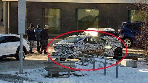 AVSLØRT: En helt ny Volvo-modell avslørt på kuldetest i Lofoten. Her er de fotografert i Svolvær.