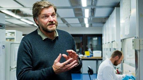 Medisinsk fagdirektør i legemiddelverket, Steinar Madsen, går alltid med to piller i lomma.