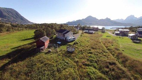 Dette huset i Digermulveien er et av husene i austre Vågan som nå er solgt til folk som ønsker seg fritidsbolig.