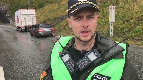 SKADEPOTENSIALE: Politibetjent Andre Skogland sier at kjøring med et akebrett på slep har et stort skadepotensiale. Bildet er tatt i en annen sammenheng.