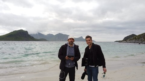 FILMTEAM: Den dynamiske duoen bestående av kameramann Brice Boussouar (t. v.) og reporter Laurent Desbonnets fra France 2.