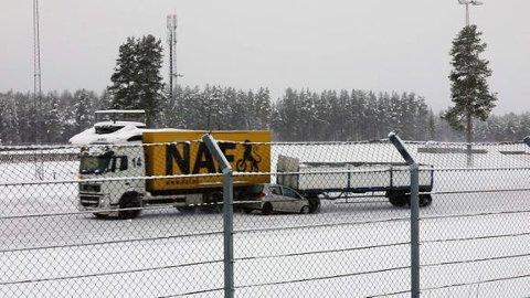 ILLUSTRASJONSFOTO: I januar gjennomførte NAF en demonstrasjon av hva som skjer når et vogntog mister kontroll på hengeren og treffer en personbil i 60 kilometer i timen.