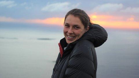 Marita Berg (28) fra Ballstad er ansatt som fysioterapeut i fysioterapitjenesten og frisklivssentralen i Vestvågøy kommune.