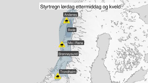 Kart over styrtregn, gult nivå, Sør-Trøndelag, Nord-Trøndelag, Helgeland, Saltfjellet, Salten, Ofoten, Lofoten, Vesterålen og Sør-Troms, 08 August 12:00 UTC til 08 August 23:00 UTC.