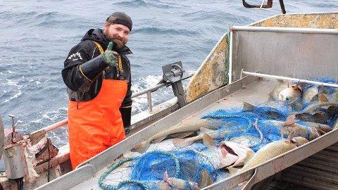 """Arnold Arntzen (36) fra Napp er fisker på """"Nappsgutt"""", sammen med kompanjongen Bjørn Arne Benjaminsen.  I tillegg eier Arnold to andre fiskebåter."""