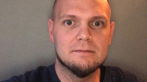 Sykepleier Lars-Petter Gjertsen (35) er ansatt i en 34,80 prosent stilling ved Lofoten interkommunale legevakt.