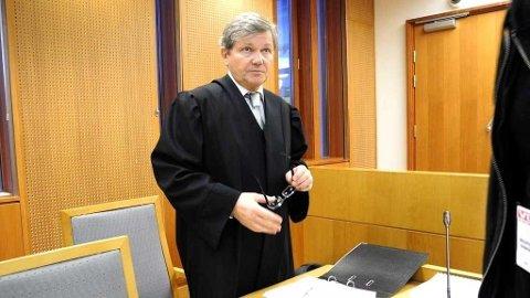 LANG BEHANDLINGSTID: Advokat Arild Humlen regner med to til tre års behandlingstid for Yasmin-saken i Strasbourg.
