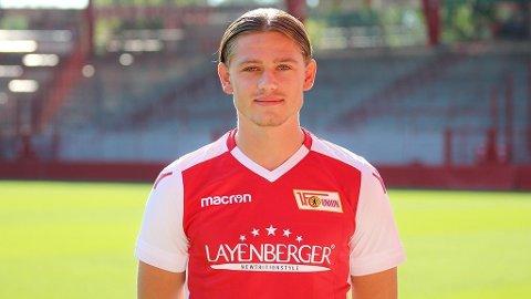 UTE: Julian Ryerson er ute for resten av sesonginnspurten i Bundesliga. Lyngdølen pådro seg en kneskade etter 25 sekunder borte mot Borussia Mönchengladbach – en kamp kultlaget fra Berling tapte 4-1.