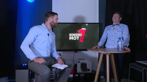 KONSMO MOT 1: Programleder Petter Løwenhamn og deltaker Christian Nepstad fra fjorårets sending.