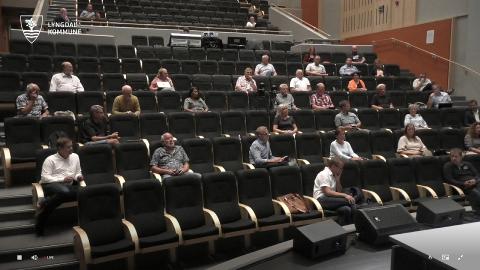 UTSETTES: Kommunestyret stemte til slutt for å utsette behandlingen av saken etter at flere av representantene tok opp spørsmålet om plassering. Saken behandles igjen om 6 uker.