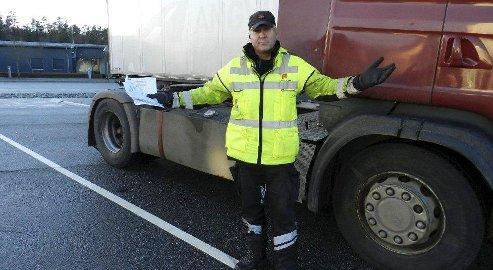 – FOR MANGE: Øyvind Grotterød mener det fortsatt er et problem at så mange kjører med feil og mangler.