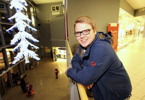 Høyt oppe: FrpU-leder Niklas Eriksen er partiets fjerdemann på fylkestingslisten. Han håper det kan bli plass i fylkestinget neste høst. foto: espen vinje