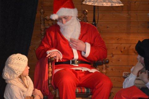 MÅ HA: Julenissen er avhengig av skjegget sitt for å kunne reise rundt på julaften.