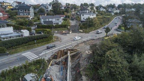 STENGES: I krysset Steinullbakken, Fjordveien og Melløsbakken skal det legges ned fjernvarme, VA-ledninger og kabler. Dette medfører at Fjordveien stenges i en hel uke fra midnatt førstkommende søndag.