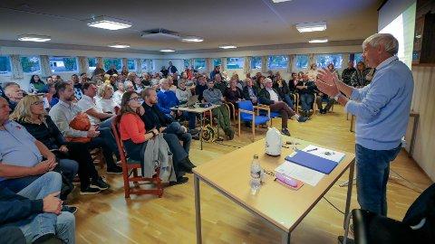 Folkemøte mot togparkering på Goen i Rygge mandag kveld. Engasjementet mot etablering av togparkering i Rygge var stort.