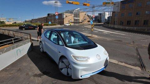 Sjefen for Norges største bilimportør mener 50 prosent av alle nybiler neste år kan være elektriske. Her er kommende VW ID på Norgesbesøk, i konseptversjon.