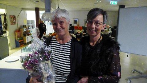 BLE TAKKET: Liv Stylegar og ordfører Hanne Tollerud.
