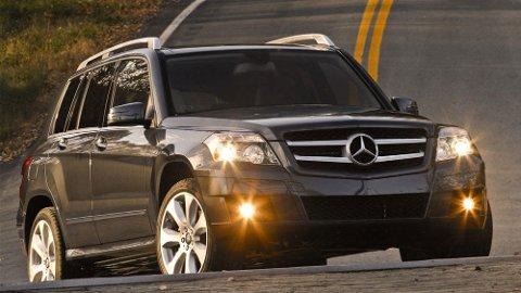 Flere og flere velger biler med firehjulsdrift. Det kan gi utfordringer ved dekkbytte.