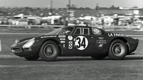 1964 Ferrari 250 LM ble kun bygget i 32 eksemplarer. Foto fra: rmsothebys.com