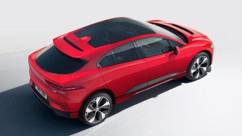 I-Pace er den første elbilen fra Jaguar, og den var også svært tidlig ute da den kom i fjor. For en liten bilprodusent som Jaguar er dette et stort løft., det bekrefter også toppsjefen Ralf Speth.
