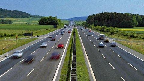 I dag er det ikke noe problem å bryte fartsgrensene betydelig - hvis du vil. Det kan det bli slutt på.