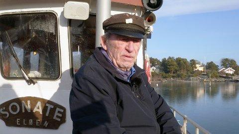 DONERER FARTØY: Georg «Goggen» Sibbern donerer et fartøy til takknemlige RS Frivilig land Moss.