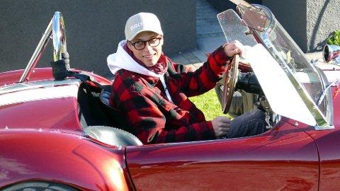 Mikkel Christiansen bruker nesten alt han tjener på bil. Nå er en av favorittbilene til salgs.