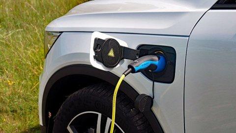 Å kjøre på strøm er i utgangspunktet rimeligere enn både bensin og diesel. Men ikke alltid, viser en ny NAF-undersøkelse.