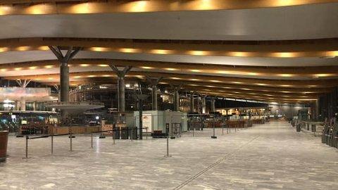 Pandemien har rammet flere bransjer hardt, inkludert reiseliv. Her er et bilde fra Gardermoen flyplass i desember 2020.