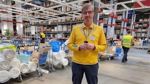 VENTER KØ: Ikea Furuset åpner fredag. Assisterende varehussjef Vegar Aabø sier de er forberedt på kø.