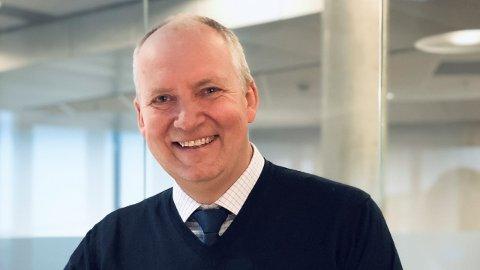 Thorfinn Hansen fra Rygge gir seg som topp leder i selskapet Simployer Group etter å ha jobbet i selskapet i 27 år.