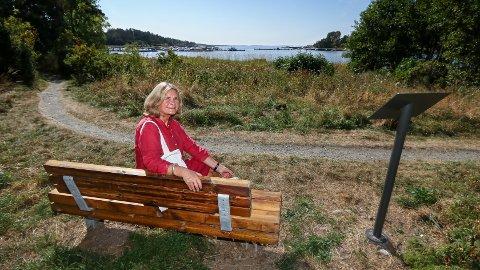 IDYLLISK: Strandsitterne hadde neppe tid til å sitte på stranden og skue utover fjorden. – Nasle er en av strandsitterplassene i Larkollen som er godt bevart, forteller prosjektleder Trine Syvertsen.