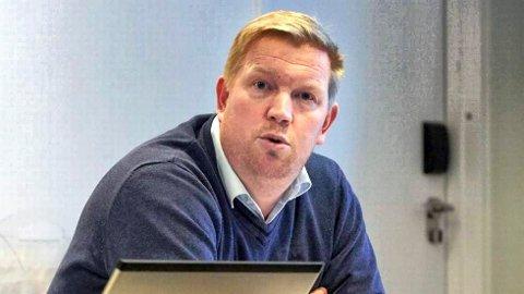 Reagerte raskt: Ordfører Amund Hellesø roser håndteringa til SinkabergHansen som tok raskt grep da en ansatt hos en underleverandør på byggeanlegget til selskapet ble bekreftet koronasmitta.