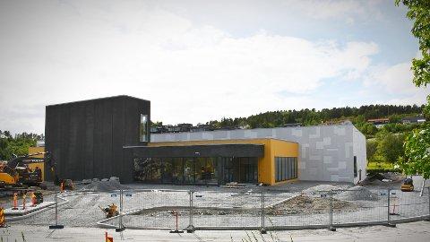 ØKTE RAMMER ANBEFALES: Kommunedirektøren går inn for økte rammer for både Rørvik spektrum (avbildet) og Nærøysund arena. Det er behov for 24 millioner kroner, og saken behandles i kommunestyret i Nærøysund mandag.
