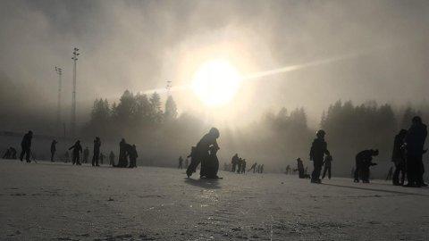 KJØLIG: Vinteren har vært kald - til glede for noen og fortvilelse for andre. Siste døgn var det Folldal i Hedmark som hadde bestenoteringen med minusgrader; 36,8 grader. Bildet er tatt i Skien i Telemark.