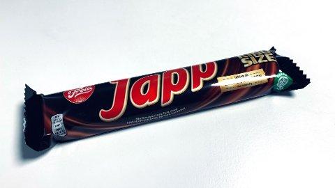 Japp-sjokolade inneholder 446 kcal per 100 gram. Sjokoladen på bildet inneholder 82 gram sjokolade, og utgjør dermed 366 kcal. En person på som veier 60 kg må tilbakelegge rundt seks kilometer på tredemølla før den er forbrent.