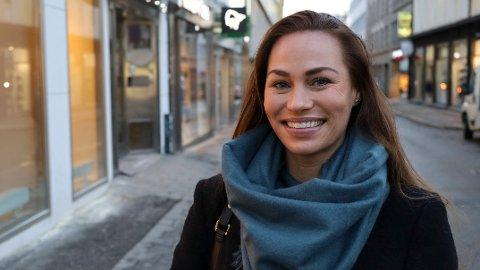 GLEDE: Cecilie Tvetenstrand anbefaler deg å starte med et kortsiktig sparemål som gir deg glede, om du sliter med motivasjonen for å spare til for eksempel pensjon.