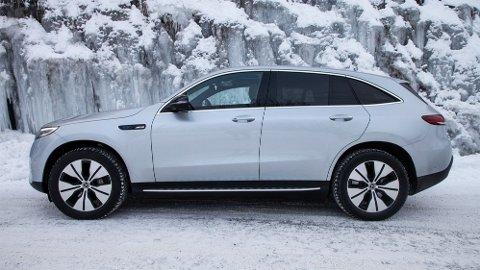 Den elektriske SUV-en Mercedes EQC har solgt svært godt i Norge i år. Til neste år tror importøren at salget deres bil bestå av 70 prosent elbiler.